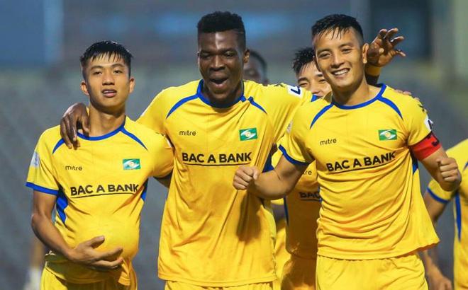 Các đội V-League tái khởi động: Tuân thủ chỉ dẫn sức khỏe, xua nỗi lo thể lực