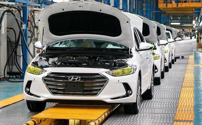 Hết cách ly xã hội: Nhiều hãng xe lập tức mở cửa nhà máy