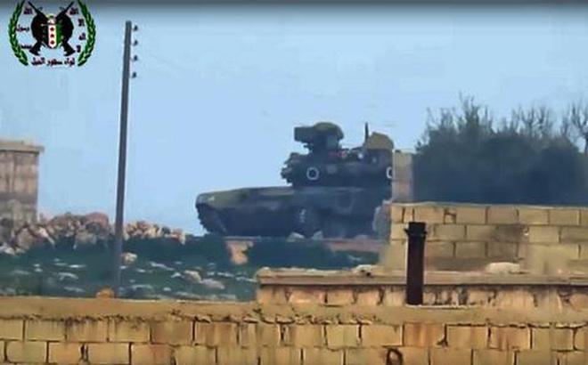 """Hàng loạt """"siêu tăng hủy diệt"""" T-90 được cho là đã tới Syria: Nga-Iran quyết """"chơi lớn"""" một lần trước Mỹ?"""