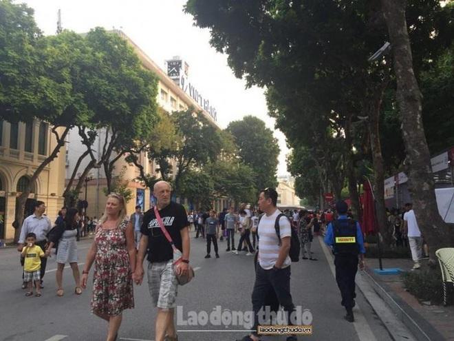 Bí thư Thành ủy Hà Nội: Nới lỏng giãn cách xã hội nhưng tuyệt đối không được lơi lỏng - Ảnh 2.