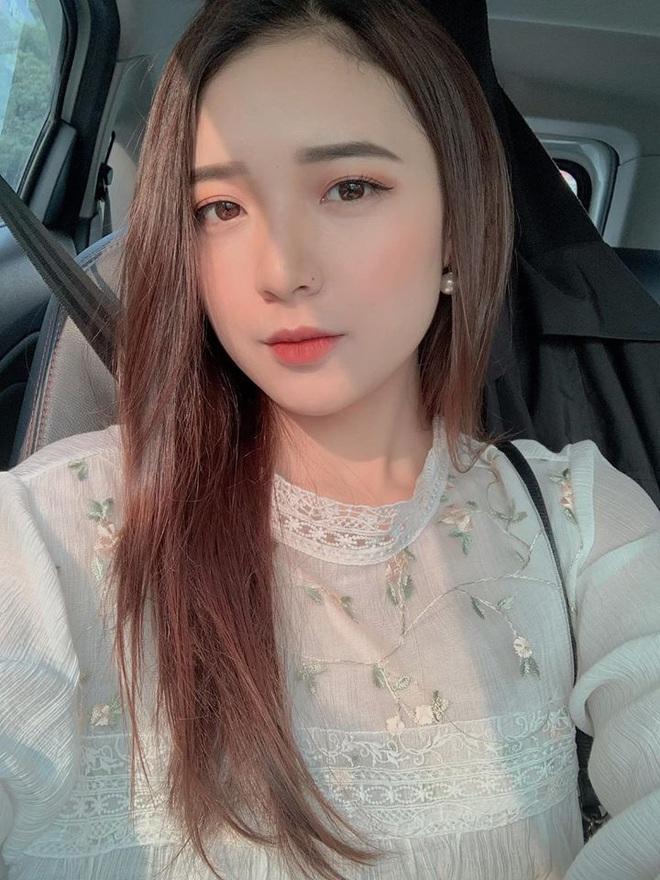 Hình ảnh ngoài đời dễ thương của nữ MC trẻ tuổi nhất VTV, chỉ cao 1m50 nhưng vẫn xinh xắn không thua hoa hậu - Ảnh 19.