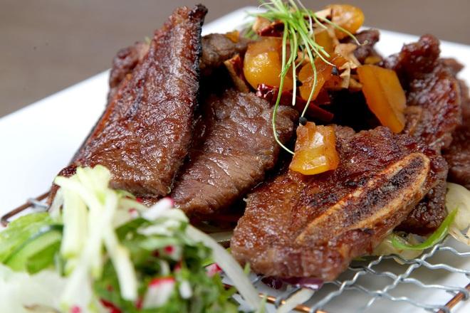 10 lợi ích của thịt bò so với các loại thịt khác: Kiến tạo cơ bắp và tăng cường sức mạnh - Ảnh 4.