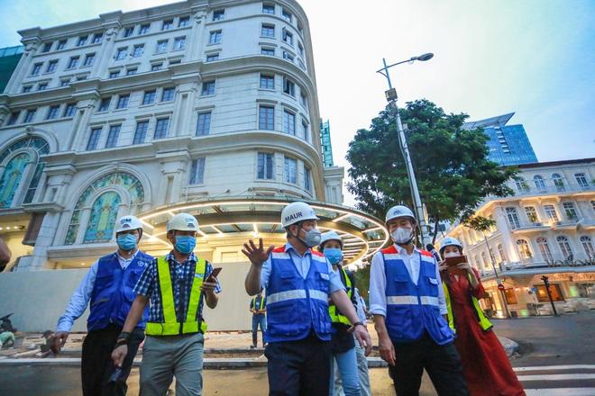 Chủ tịch UBND TP.HCM thị sát ga ngầm Metro gửi lời cảm ơn tới các kĩ sư Nhật Bản - Ảnh 1.