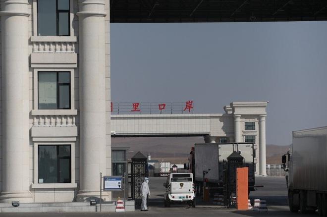 Đại sứ Trung Quốc lên án công dân từ Nga đổ về nước tránh dịch Covid-19 là vô đạo đức - Ảnh 2.