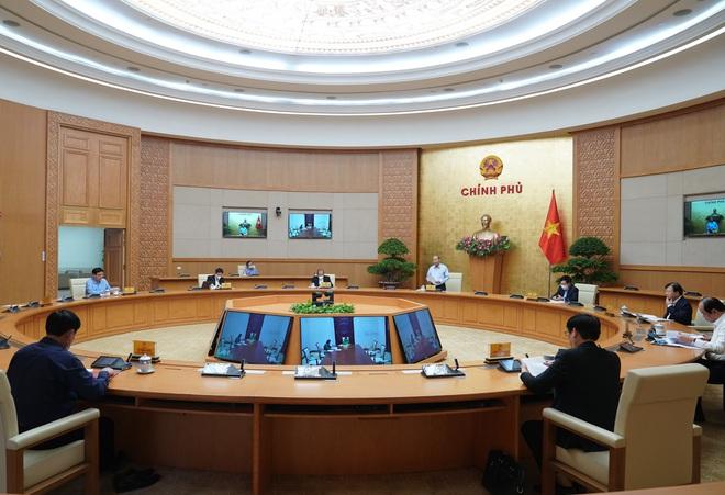 EU sẽ hỗ trợ Việt Nam vượt qua tác động của COVID-19; 1.500 học sinh ở TQ bị sốt sau khi đi học lại - Ảnh 1.