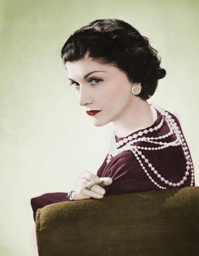 Nếu bạn là phụ nữ và đã ngoài 30 tuổi thì nhất định phải nghe 3 lời khuyên của Coco Chanel - Ảnh 1.