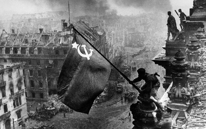 Vì sao Hồng quân Liên Xô đơn độc đánh chiếm Berlin của Đức Quốc xã? - Ảnh 2.