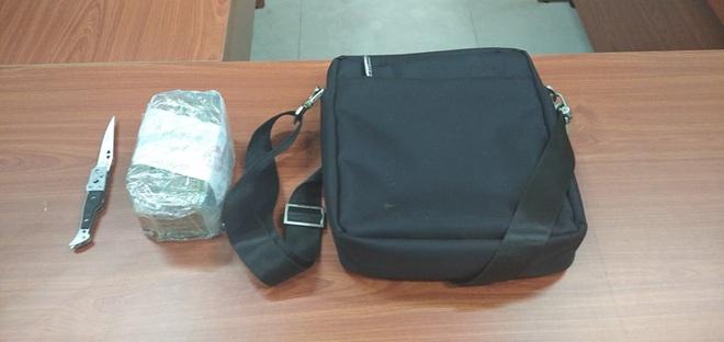 2 thanh niên cướp giật túi xách chứa hơn 120 triệu đồng của người phụ nữ ở chợ Bình Điền - Ảnh 3.