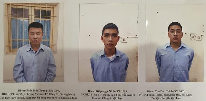 Kẻ cướp ngân hàng ở Sóc Sơn nổ 2 phát súng trước khi bỏ trốn - Ảnh 2.