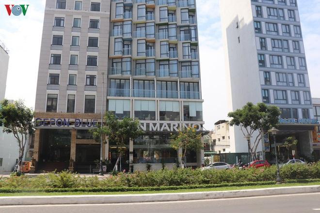 Tin mới dịch Covid-19 ngày 29/4: Giảm giá 60%, nhiều khách sạn ở Đà Nẵng vẫn vắng khách; Vũng Tàu chưa mở cửa bãi tắm, khách sạn đã kín phòng - Ảnh 1.