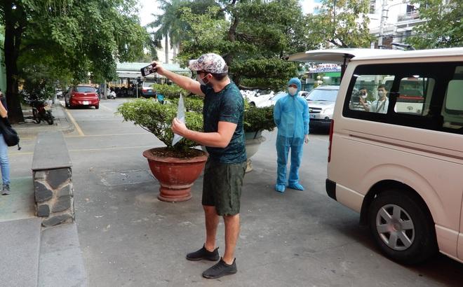 Bệnh nhân người Mỹ nhiễm Covid-19 khỏi bệnh tại Đà Nẵng: Tôi cảm ơn các bác sĩ Việt Nam đã cứu mạng