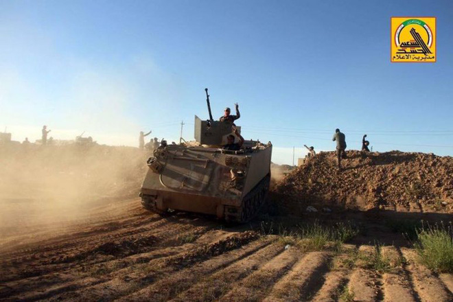 Lò lửa Idlib bùng nổ, đấu pháo dữ dội - Cỗ máy chiến tranh Nga ầm ầm chuyển động, QĐ Syria vào vị trí - Ảnh 1.