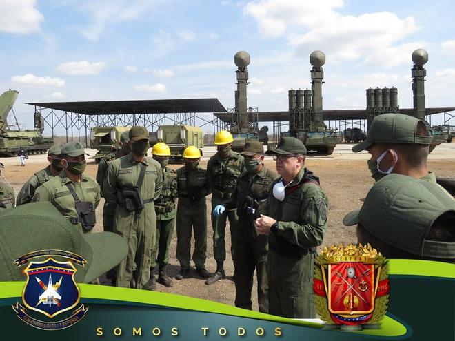 Tên lửa S-300V Venezuela vươn bàn tay tử thần: Chiến đấu cơ lạ đừng dại dột lại gần - Ảnh 1.