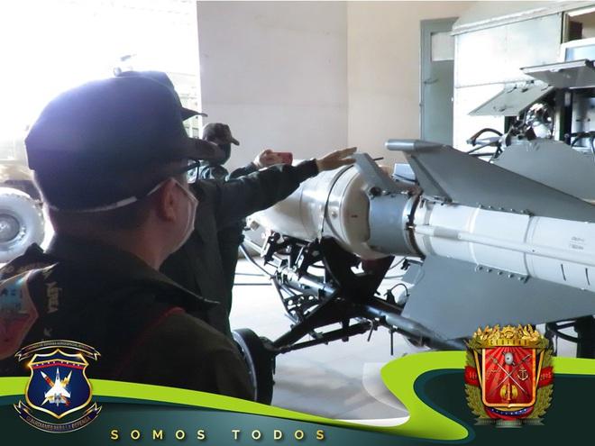 Tên lửa S-300V Venezuela vươn bàn tay tử thần: Chiến đấu cơ lạ đừng dại dột lại gần - Ảnh 4.