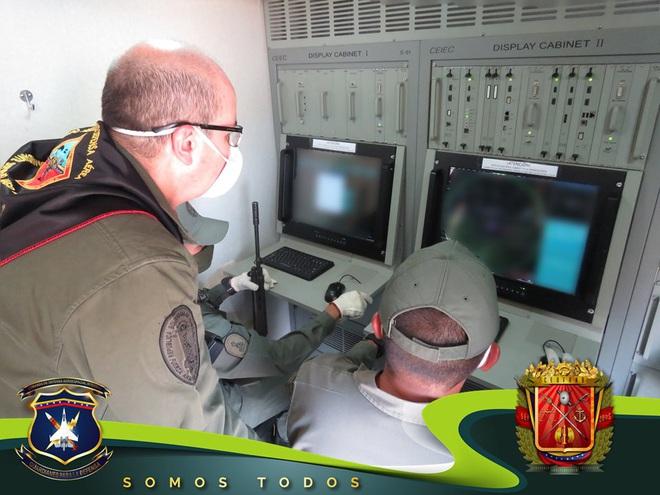Tên lửa S-300V Venezuela vươn bàn tay tử thần: Chiến đấu cơ lạ đừng dại dột lại gần - Ảnh 9.