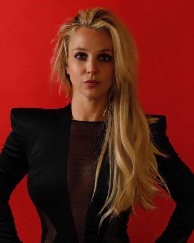 """Paris Hilton, Lindsay Lohan và Britney Spears: Đế chế """"nữ hoàng thị phi"""" quyền lực nhất Hollywood, chật vật tìm lại hào quang sau những cú trượt dài - Ảnh 14."""