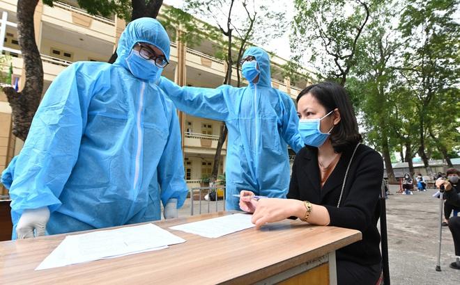 Số ca mắc Covid-19 ở Việt Nam lên 239, thêm một ca liên quan đến ổ dịch Bệnh viện Bạch Mai