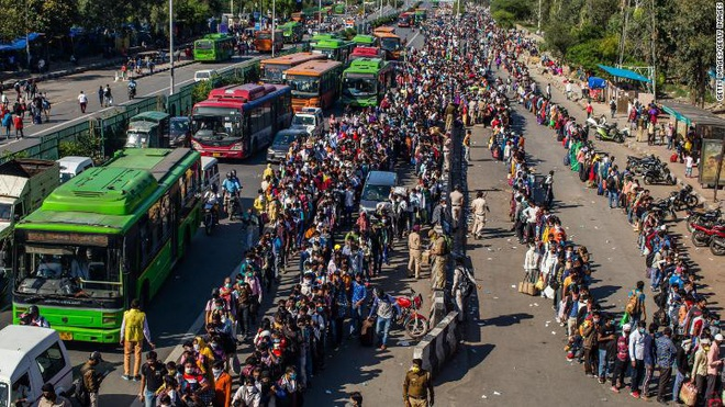 Vì sao dịch Covid-19 không bùng phát mạnh ở đất nước Ấn Độ 1,3 tỷ dân? - Ảnh 2.