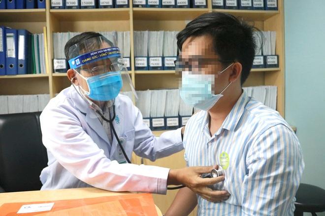 Những lầm tưởng không đáng có khiến không ít người bệnh phải vào viện cấp cứu - Ảnh 1.