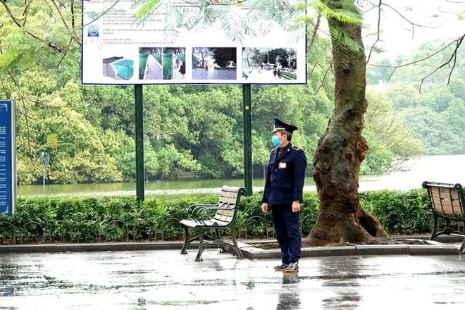 Cận cảnh Hà Nội kiểm tra, xử lý người ra đường không thuộc diện cho phép - ảnh 9