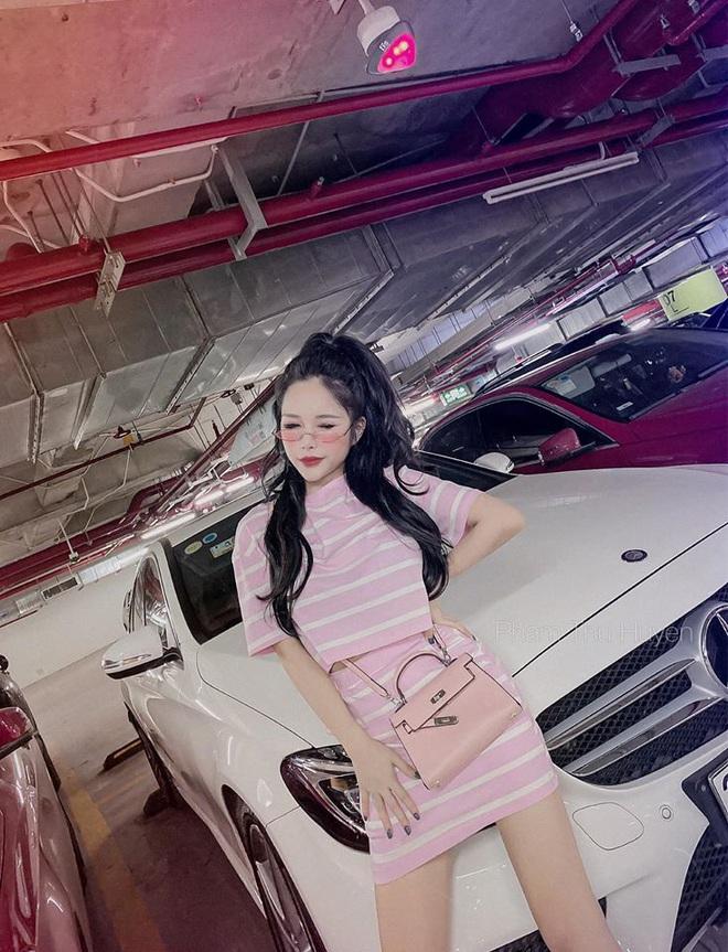 Các hot girl 8X đời đầu từng nổi tiếng và giàu có nhờ chuyển hướng buôn bán thời trang giờ ra sao? - Ảnh 58.