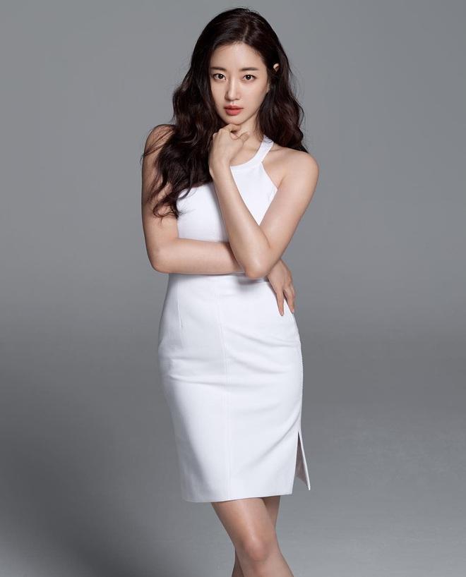 Hoa hậu gợi cảm hàng đầu Hàn Quốc lao đao vì nghi án bán dâm, tuổi 42 vẫn độc thân quyến rũ - Ảnh 6.