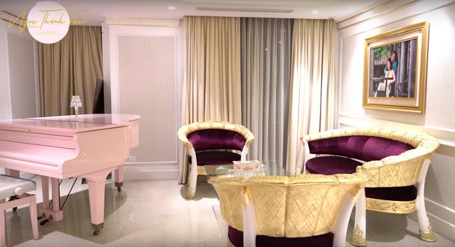Ngọc Thanh Tâm khoe căn nhà rộng 650m2, phòng của mẹ đại gia toàn đồ mạ vàng sang chảnh - Ảnh 16.