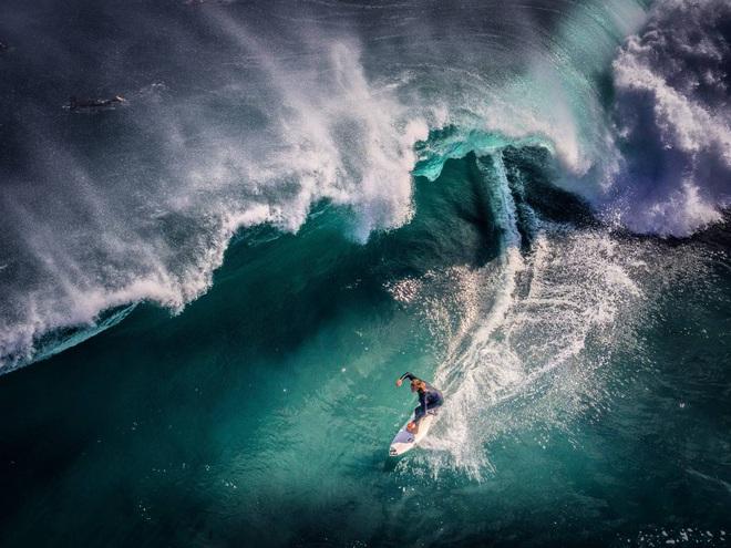Cảnh nhà sư chèo thuyền chở hoa của nhiếp ảnh gia Việt lọt top ảnh đẹp thế giới - Ảnh 5.