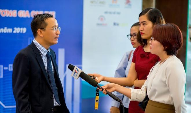 Gia đình đề nghị công an sớm làm rõ cái chết của Tiến sĩ - Luật sư Bùi Quang Tín, rơi từ tầng cao chung cư ở TPHCM - Ảnh 2.