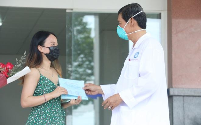 Bệnh nhân 154 xuất viện sau 3 lần xét nghiệm âm tính SAR-CoV-2