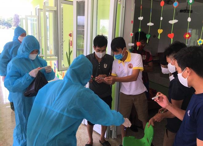 Tình hình sức khỏe của 3 nữ bệnh nhân nhiễm Covid-19 tại Hà Tĩnh bây giờ ra sao? - Ảnh 2.