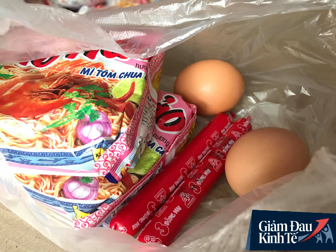 Ấm lòng mùa dịch: Doanh nghiệp chung tay phát hàng trăm suất ăn mỗi ngày cho người nghèo Hà Nội - Ảnh 4.