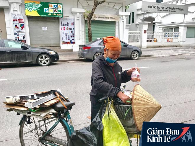 Ấm lòng mùa dịch: Doanh nghiệp chung tay phát hàng trăm suất ăn mỗi ngày cho người nghèo Hà Nội - Ảnh 11.