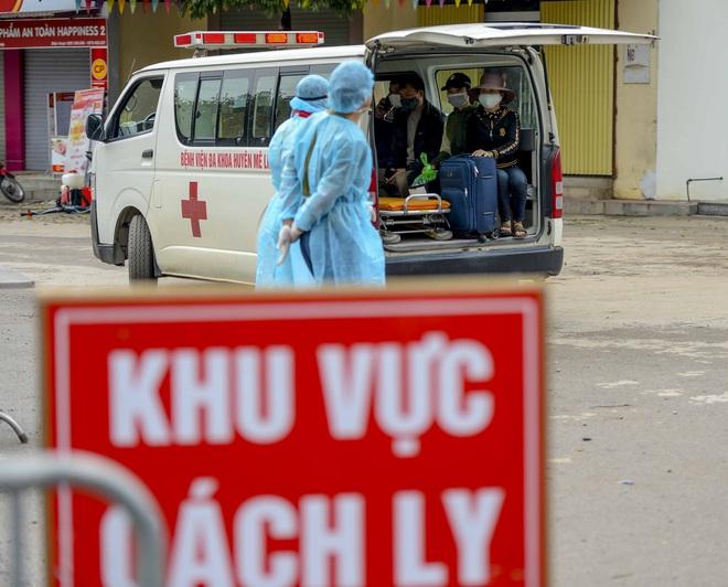 Bệnh nhân 243 mắc COVID-19 từng tiếp xúc nhiều người, đi buôn hoa - Ảnh 1.