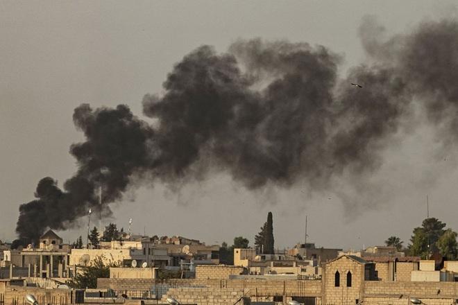 Mải chinh chiến với Thổ Nhĩ Kỳ ở Idlib, quân đội Syria bị khủng bố đánh úp từ sa mạc Homs: Đã khó nay còn khó thêm? - ảnh 3