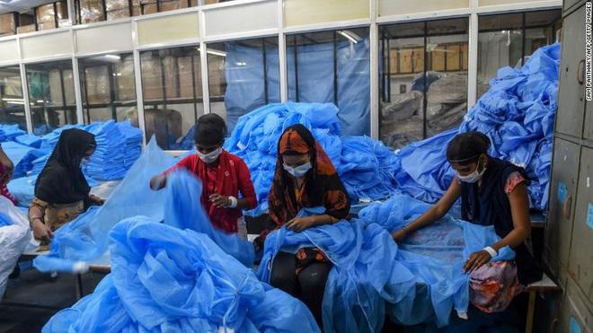 Ca tử vong do COVID-19 tại khu ổ chuột hơn 1 triệu dân gióng hồi chuông báo động đỏ cho tình hình ở Ấn Độ - Ảnh 4.