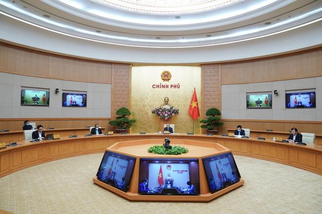 Thủ tướng: Tiếp tục triển khai mạnh mẽ các giải pháp cách ly xã hội đến ngày 15/4 - Ảnh 1.