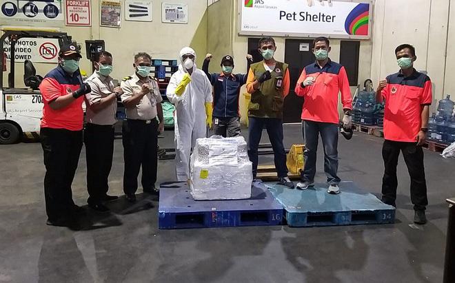 Indonesia đón nhận bộ xét nghiệm virus SARS-CoV-2 từ Việt Nam - Ảnh 2.