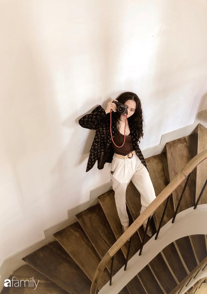 Đặng Tiểu Tô Sa - cháu gái xinh đẹp của thầy Văn Như Cương comeback ngoạn mục với hình ảnh fashionista nóng bỏng đầy quyến rũ tuổi 22 - Ảnh 28.