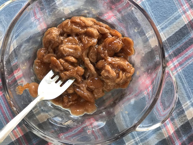 Những pha thất bại cay đắng của hội chị em khi ở nhà nấu ăn mùa dịch: Bánh bông lan Bao Công làm bằng nồi cơm điện, chè sữa trân châu nát bét - Ảnh 29.