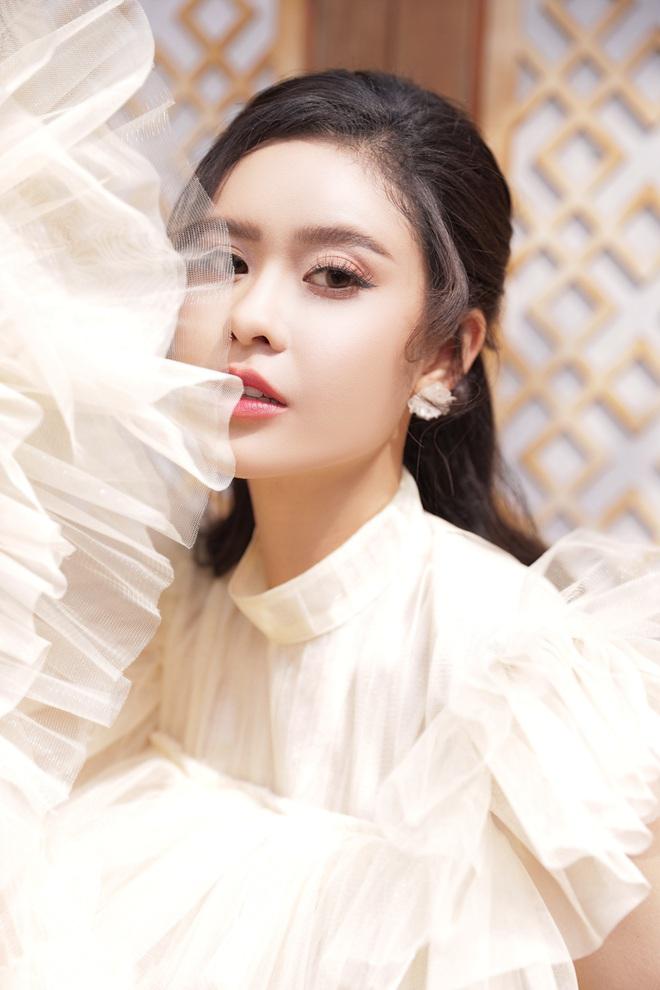 Trương Quỳnh Anh thừa nhận stress, cảm thấy vô dụng khi bị hủy hàng loạt show diễn - Ảnh 1.