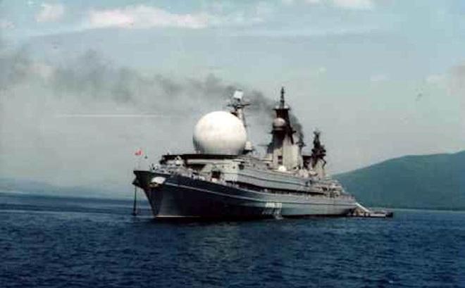 """Con tàu """"nhọ"""" nhất của HQ Nga: Nằm không trúng đạn, thủy thủ thà nhảy xuống nước còn hơn làm việc trên tàu"""