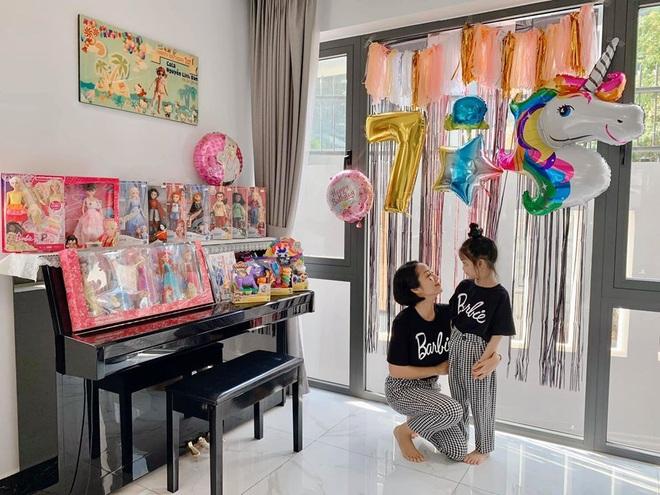 Đăng ảnh mừng sinh nhật con gái, Ốc Thanh Vân nghẹn ngào bày tỏ tâm tư giấu kín với bé Lavie - Ảnh 1.