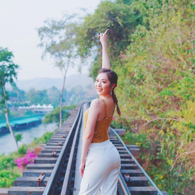 Hoa hậu Hong Kong bị bạn trai bỏ rơi vì đóng cảnh nóng táo bạo - Ảnh 12.