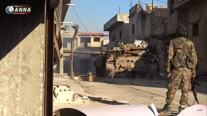 Hàng trăm xe tăng đối đầu ở tây bắc Syria: QĐ Thổ quyết được ăn cả, ngã về không? - Ảnh 3.