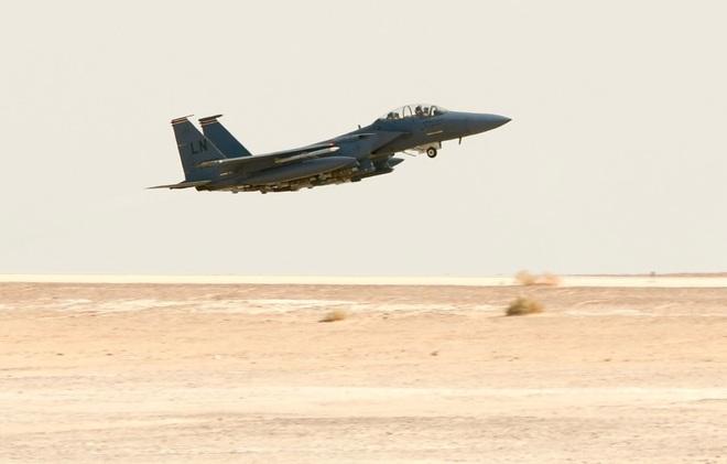 Uy hiếp Iran, suýt chút nữa phi đội đại bàng tấn công của Không quân Mỹ trả giá cực đắt? - Ảnh 1.
