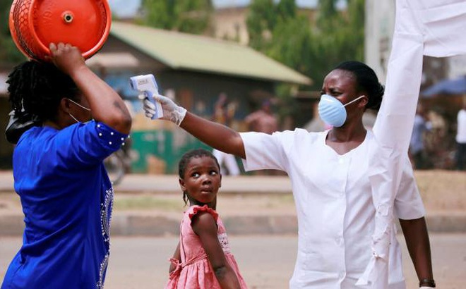 Châu Phi báo động giữa mùa Covid-19: 5 triệu dân chỉ có 3 máy thở, 11 triệu dân chỉ có 15 giường ICU