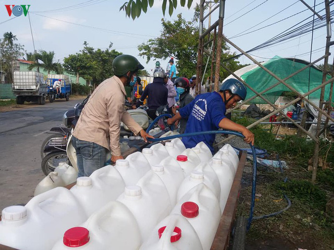 """Đưa nước ngọt về vùng """"đất khát"""" ở Tiền Giang - Ảnh 2."""