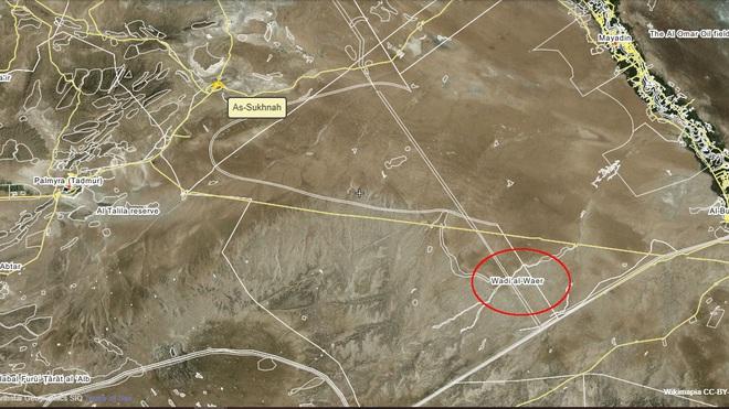 Quân đội Syria bị đánh úp từ sa mạc, nhiều thương vong - KQ Nga xuất kích ồ ạt sẵn sàng giải cứu Quân cảnh - Ảnh 1.