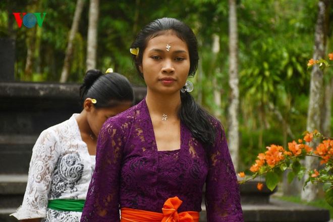 Ngành du lịch chao đảo, 90% nhân viên các khách sạn tại Bali mất việc - Ảnh 1.
